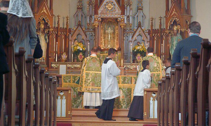 Daily Mass (TLM) – St  Mary of Pine Bluff Catholic Church